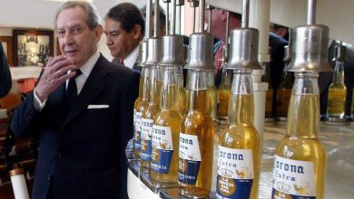Photo of Ο ιδρυτής της μπύρας Corona έκανε εκατομμυριούχους τους 80 συγχωριανούς του