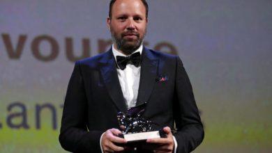 Photo of Γιώργος Λάνθιμος: Θρίαμβος στο Φεστιβάλ Βενετίας! Δύο βραβεία για το «The Favourite»