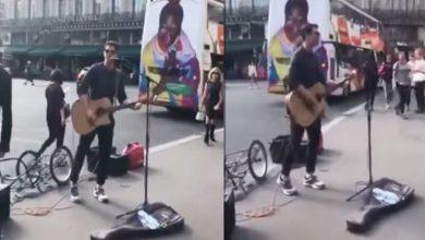 Photo of Ο Ρουβάς βγήκε στους δρόμους του Παρισιού και τραγούδησε στους περαστικούς