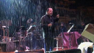 Photo of O Γιάννης Πάριος τσακώθηκε σε συναυλία του με τον Δήμαρχο Συκεών Νεάπολης