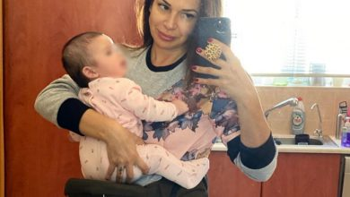Photo of Η Ελένη Χατζίδου νανουρίζει την κόρη της στο νοσοκομείο – Video