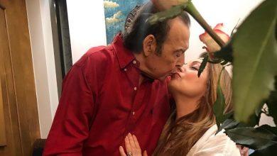 Photo of Ο Τόλης Βοσκόπουλος «έκλεισε» τα 80 με την σύζυγό του, Άντζελα Γκερέκου, στο πλευρό του! [pics]