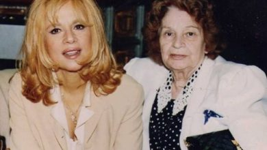 Photo of Αλίκη Βουγιουκλάκη: Η τελευταία φωτογράφισή της στο σπίτι της λίγους μήνες πριν φύγει από τη ζωή