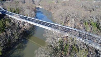 Photo of Αναβαθμισμένη και ασφαλής παραδίδεται στην κυκλοφορία τη Δευτέρα η Γέφυρα Πηνειού στα Τέμπη
